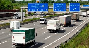 El sector del transporte pide medidas para atajar la competencia desleal