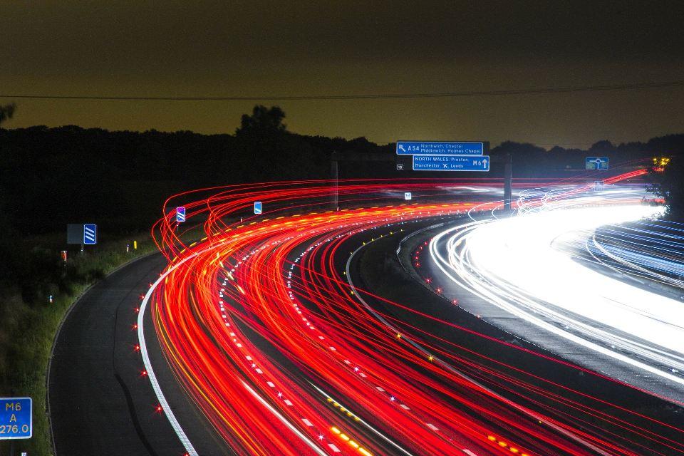 La DGT restringirá los camiones en los puntos negros y bajará la velocidad en vías con ciclistas