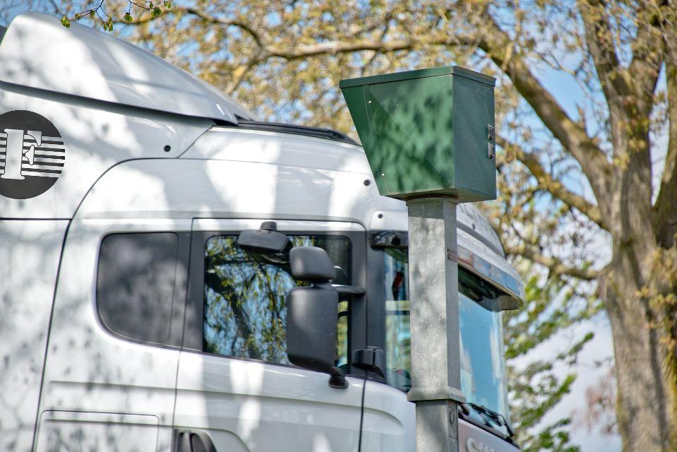 ¿Realizar el descanso semanal dentro de la cabina del camión?