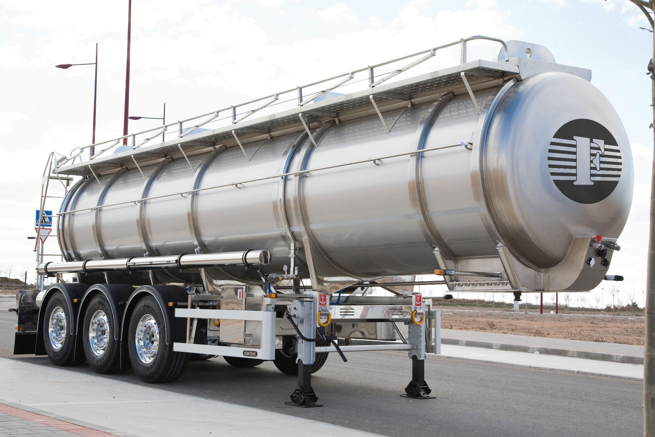 Transporte profesional de Mercancías Peligrosas (ADR): una tarea para expertos
