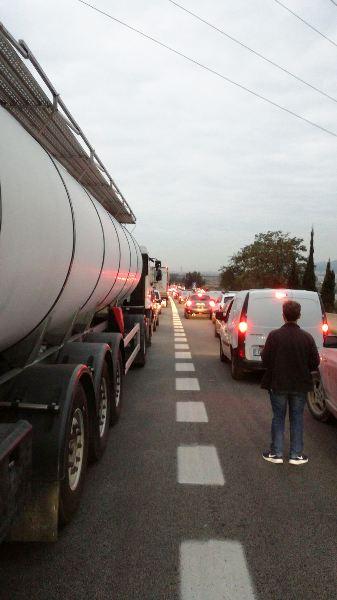 Cortes en las principales carreteras de Cataluña en la huelga del 3-O