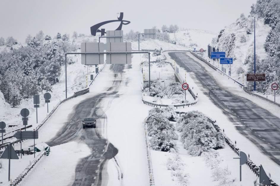 Preparadas las carreteras españolas para las primeras nieves