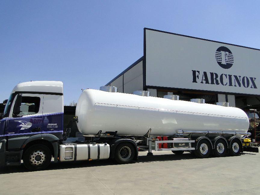 Cisterna química ADR fabricada por Farcinox