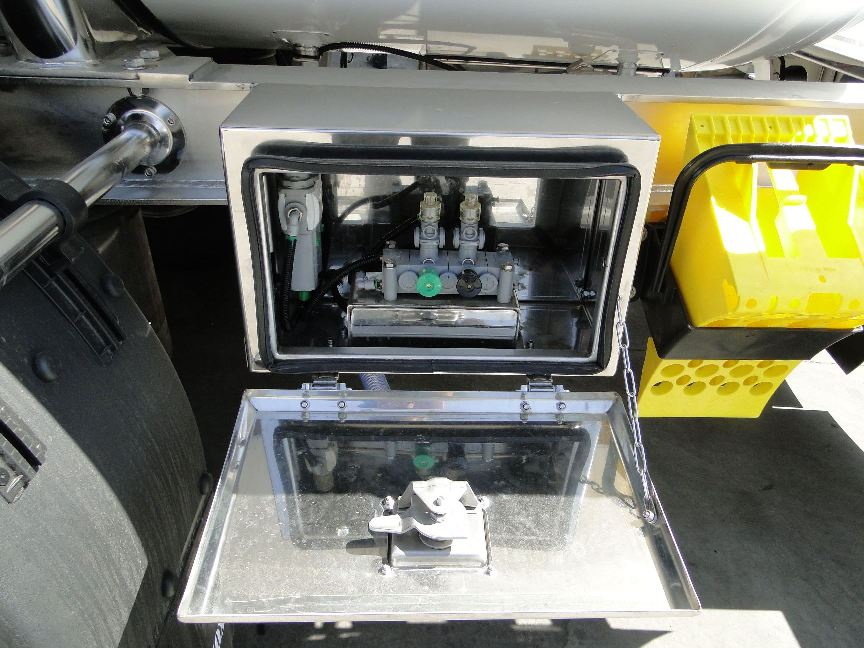 Fabricantes de cisternas y contenedores para transporte de líquidos por carretera