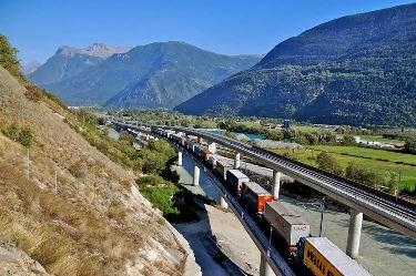Autopistas Ferroviarias para subir los camiones al tren desde España a Francia