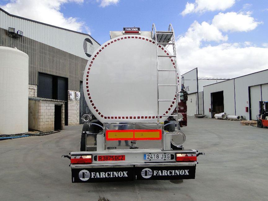Diseñamos-y-fabricamos-cisternas-ATP-o-alimentarias-en-Farcinox