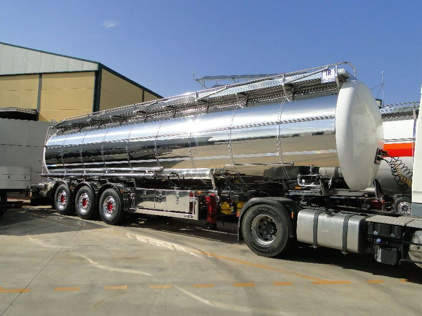 Cisterna ADR fabricada por Farcinox